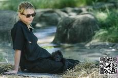 哪有那么漂亮的猩猩妈妈