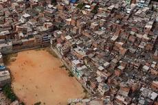 巴西贫民区的足球场