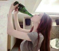 和女神喝酒