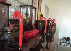 台湾今天很热,有同学发现家里的蜡烛变这样了