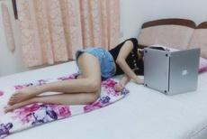 姑娘就爱这么玩电脑,看的我也是醉了