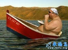 大哥,这船已经不能坐了!