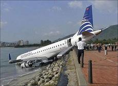 飞机渴了!