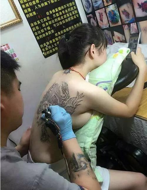 纹身师傅是个好工作,请问好学么?