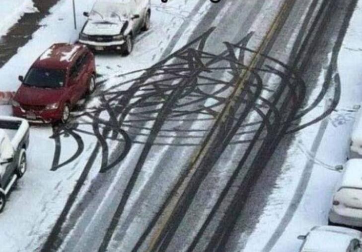 女司机的倒车轨迹